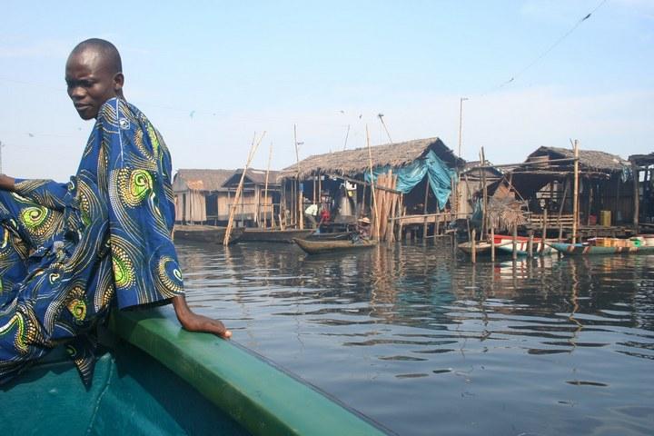 Плавучие трущобы Макоко, Нигерия (26)