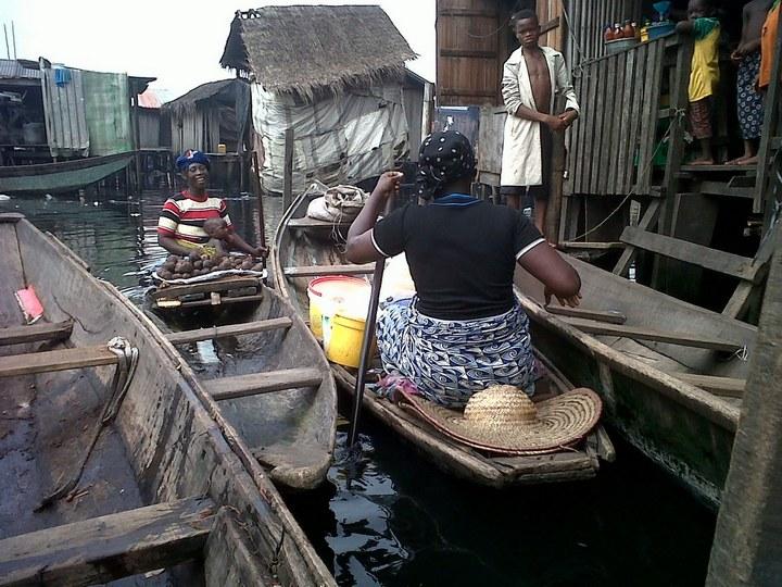 Плавучие трущобы Макоко, Нигерия (28)