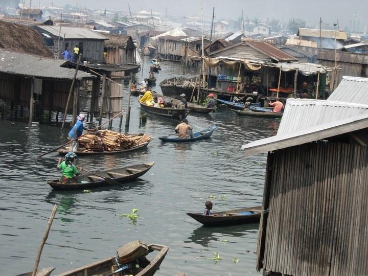 Плавучие трущобы Макоко, Нигерия (29)