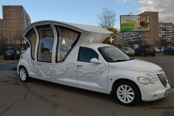 Автомобиль-карета для свадебных торжеств (6)