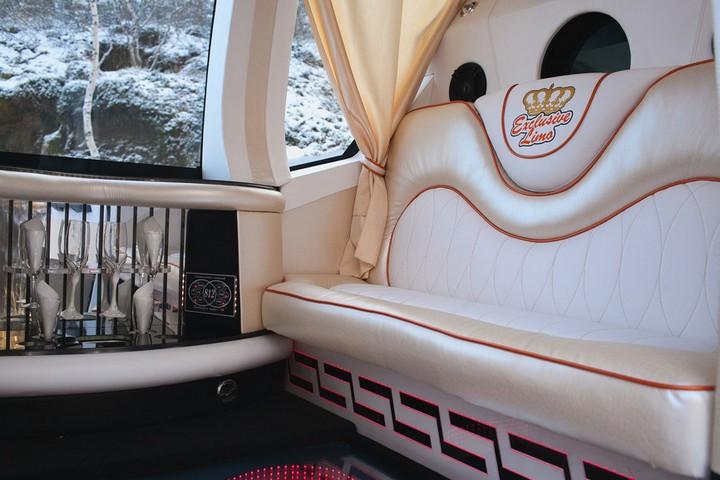Автомобиль-карета для свадебных торжеств (9)