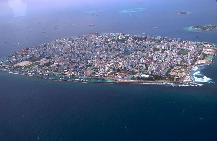 Мале — город в океане (9)