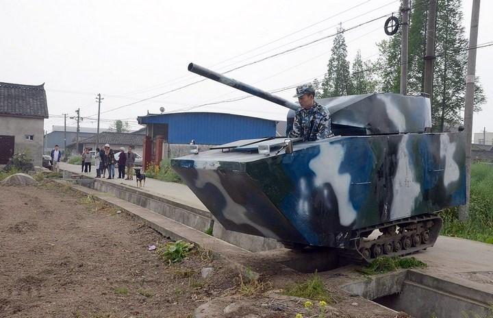 Китаец сделал танк ко дню рождения своего сына (3)