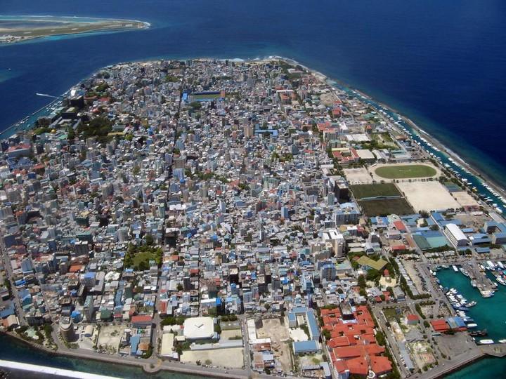 Мале — город в океане (5)