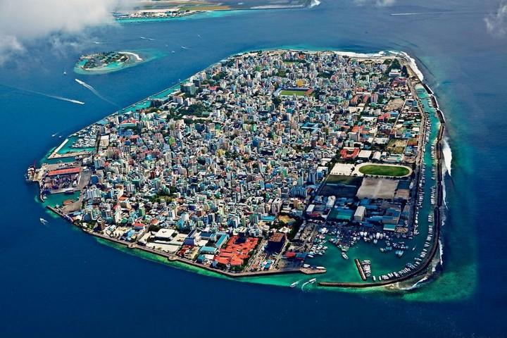 Мале — город в океане (1)