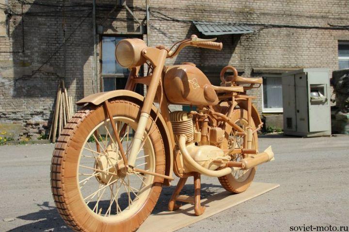 Копия мотоцикла ИЖ-49 из дерева (15)