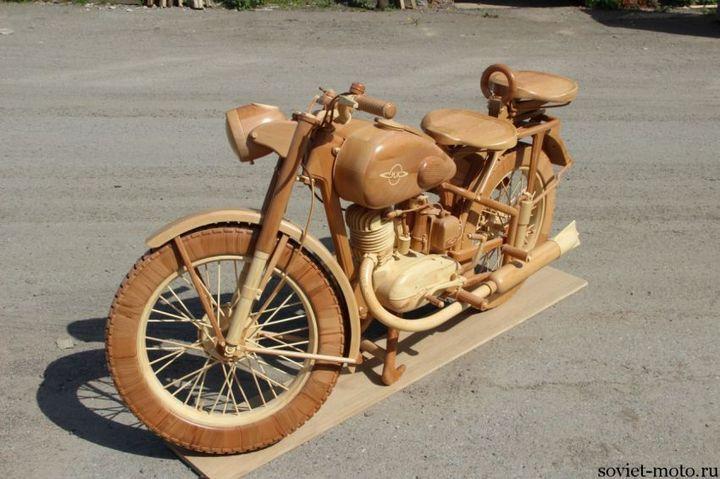 Копия мотоцикла ИЖ-49 из дерева (27)