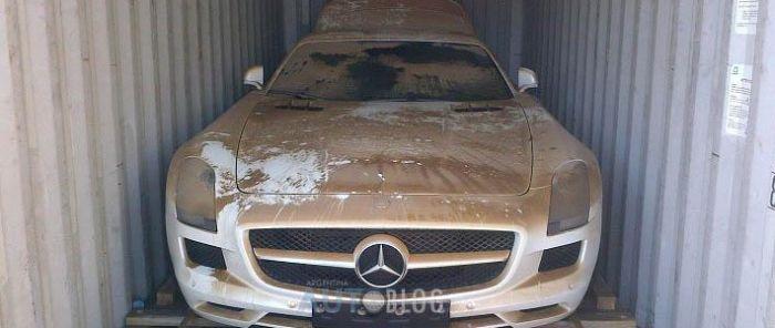 Контейнер с Mercedes SLS AMG свалился с корабля в море. Последствия (1)