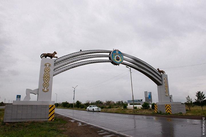 Казахстанский Кулибин сделал Роллс-ройс из Мерседеса (3)