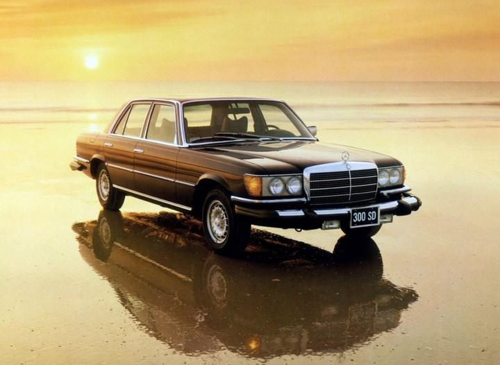Большой черный Кадиллак Cadillac Seville Opera (4)