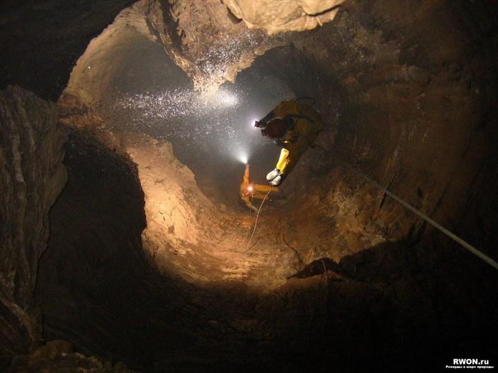 Самая глубокая в мире пещера (4)