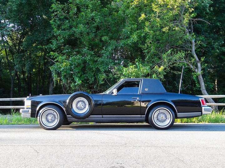 Большой черный Кадиллак Cadillac Seville Opera (9)