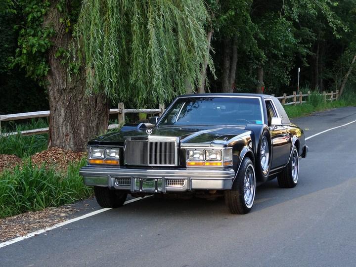 Большой черный Кадиллак Cadillac Seville Opera (10)