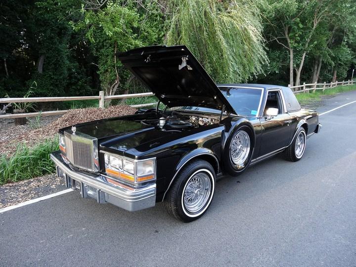 Большой черный Кадиллак Cadillac Seville Opera (12)