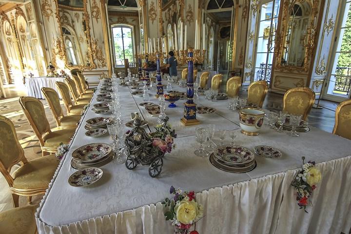 Уникальный механический обеденный стол в павильоне Эрмитажа в Царском Селе (13)