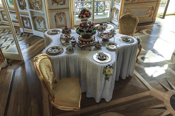 Уникальный механический обеденный стол в павильоне Эрмитажа в Царском Селе (14)