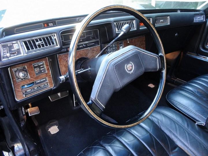 Большой черный Кадиллак Cadillac Seville Opera (16)
