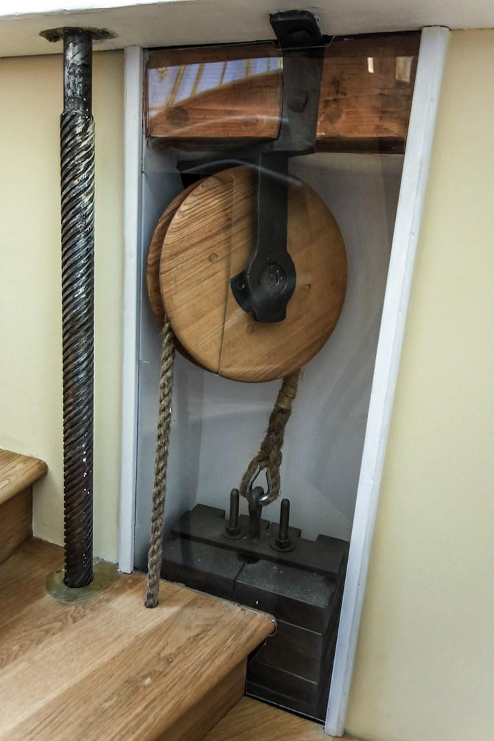 Уникальный механический обеденный стол в павильоне Эрмитажа в Царском Селе (17)