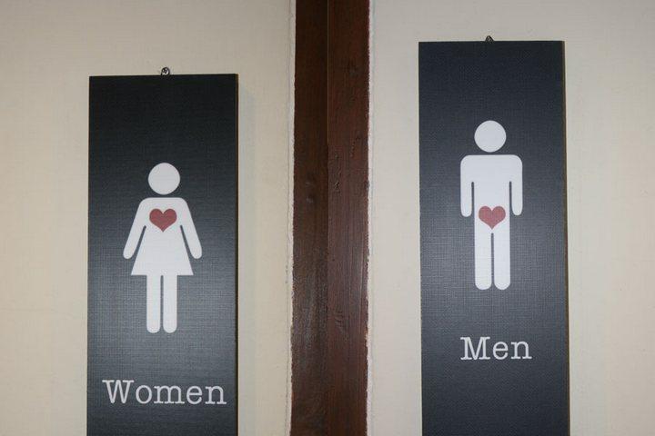 Подборка с креативными табличками на общественных туалетах (10)