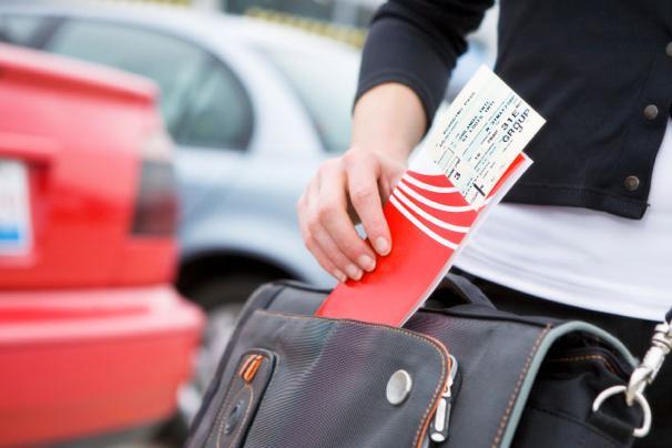 Откуда сервис по бронированию авиабилетов берет дешевые билеты на самолет? (2)