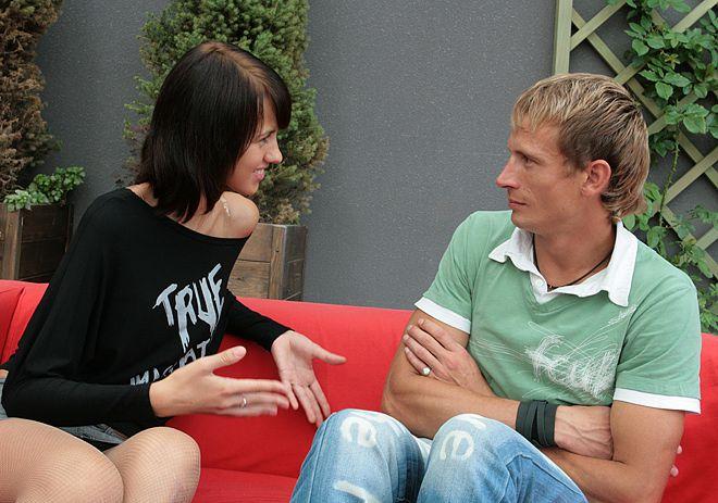 Как узнать что хочет женщина по ее жестам (4)