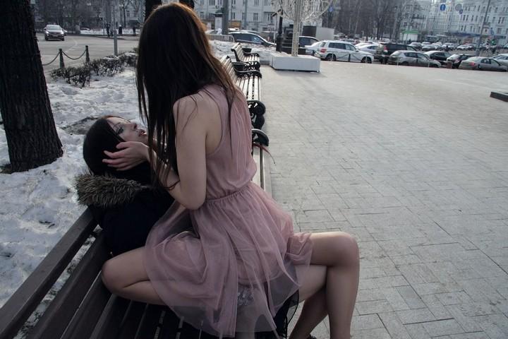 В Москве поженились две невесты (8)