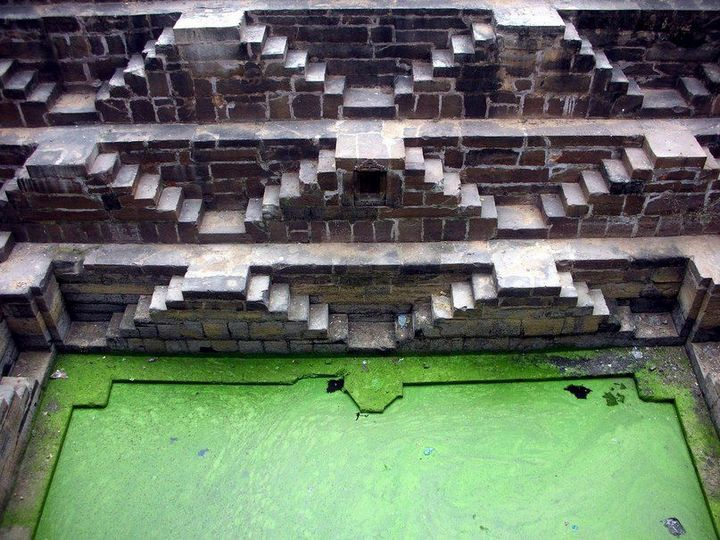 Древний колодец Чанд Баори в Индии (8)