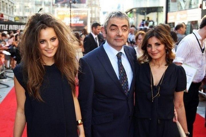 Роуэн Аткинсон с женой и дочерью
