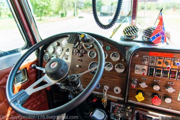 Классический американский трак Peterbilt 359 EXHD (13)