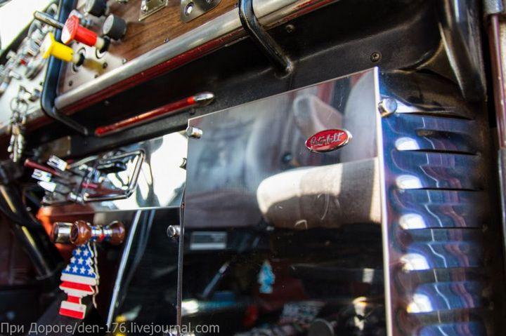 Классический американский трак Peterbilt 359 EXHD (18)