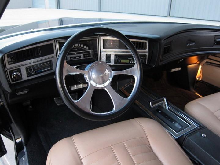 Buick Riviera Custom 1971 (22)