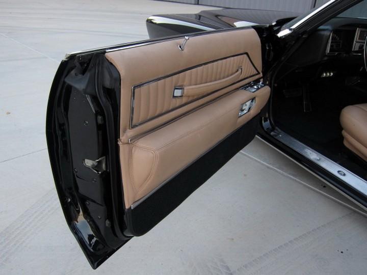 Buick Riviera Custom 1971 (28)