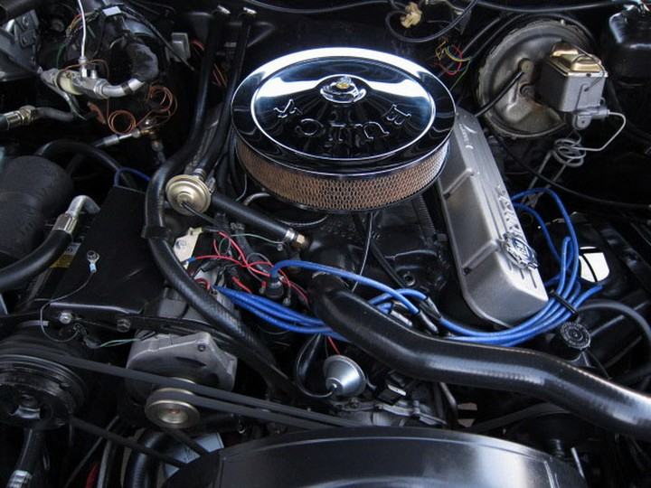 Buick Riviera Custom 1971 (36)