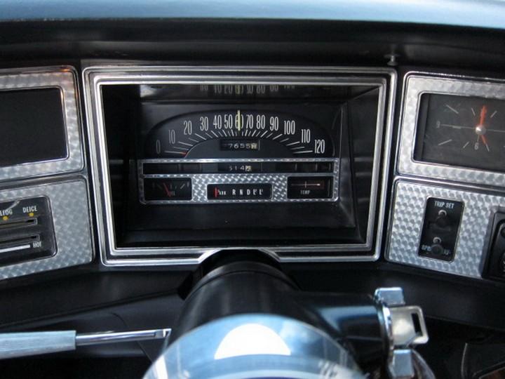 Buick Riviera Custom 1971 (40)