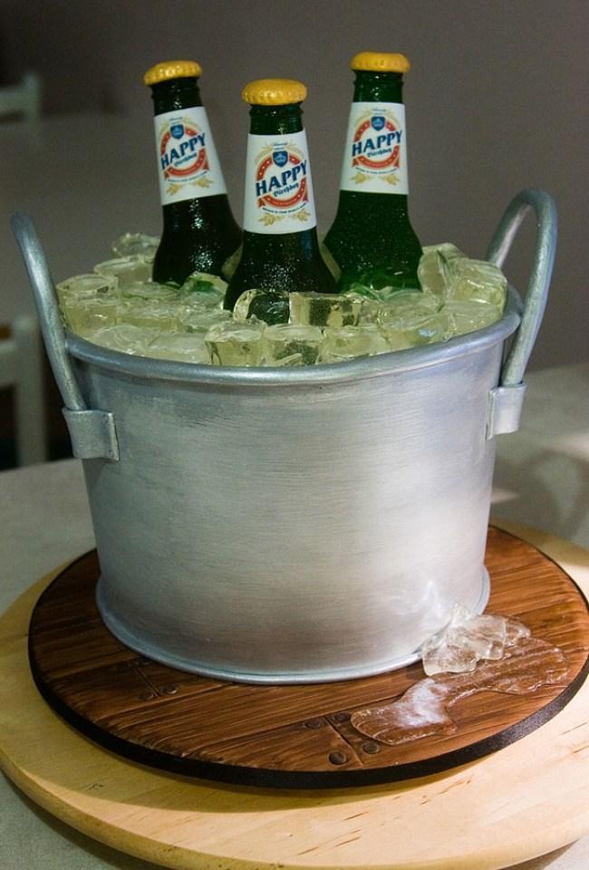Самые необычные и красивые торты к праздничному столу (10)