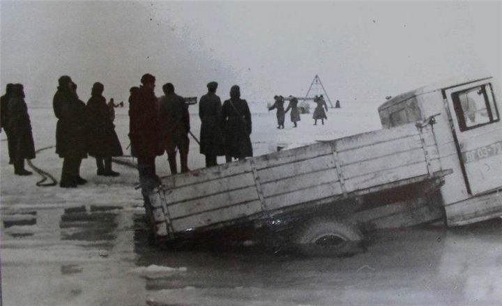 Ледовая дорога жизни, блокадный Ленинград (6)