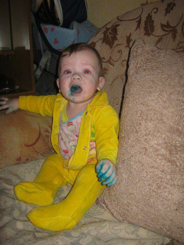Дети, перепачканные в зеленке (4)