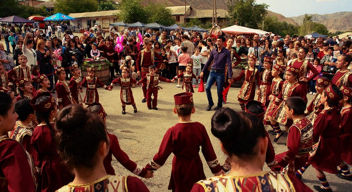 Бухалово-едалово в армянском Арени (1)