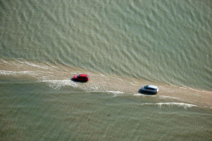 Дорога, которая дважды в сутки уходит под воду (1)