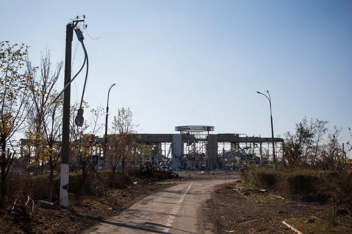 Аэропорт Луганска, наши дни (2)