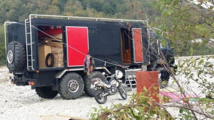 Самодельный дом на колесах на базе КамАЗа (4)