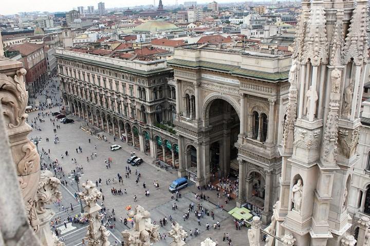 Улица под куполом в Милане (12)