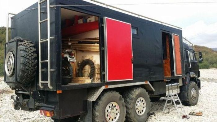 Самодельный дом на колесах на базе КамАЗа (7)