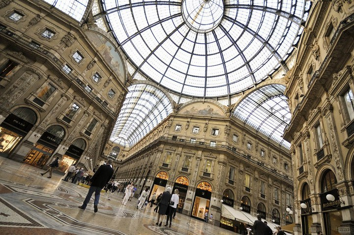 Улица под куполом в Милане (9)