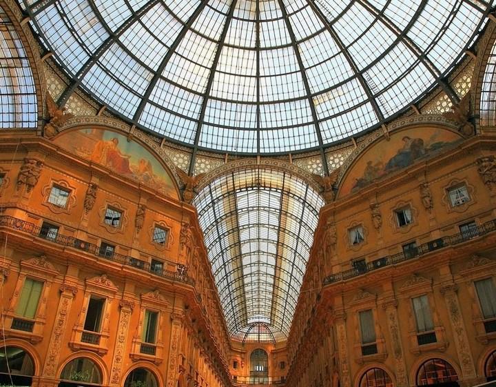 Улица под куполом в Милане (6)