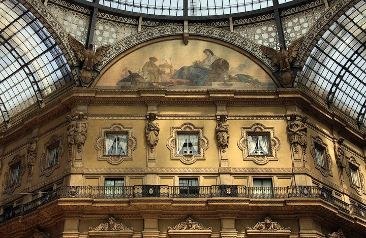 Улица под куполом в Милане (4)