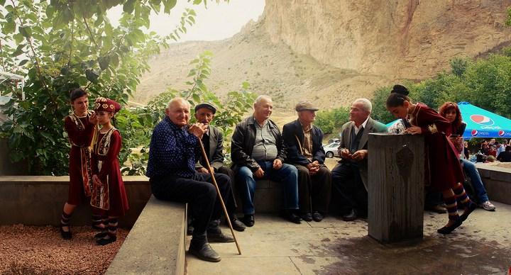 Бухалово-едалово в армянском Арени (15)