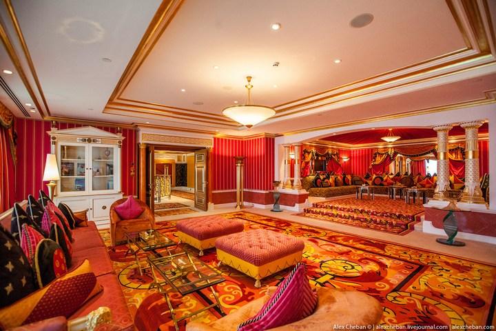 Самый дорогой гостиничный номер в семизвездочном отеле Burj Al Arab (33)