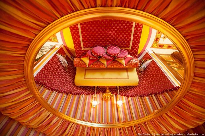 Самый дорогой гостиничный номер в семизвездочном отеле Burj Al Arab (27)