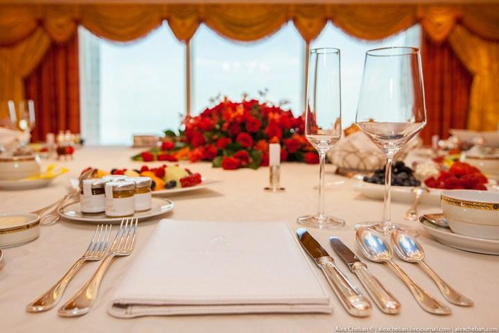 Самый дорогой гостиничный номер в семизвездочном отеле Burj Al Arab (9)